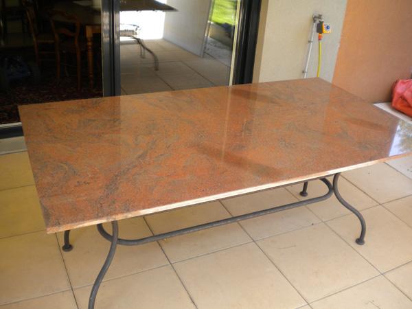 tables bars am nagements tout pour votre int rieur en pierre quartz marbre granit. Black Bedroom Furniture Sets. Home Design Ideas